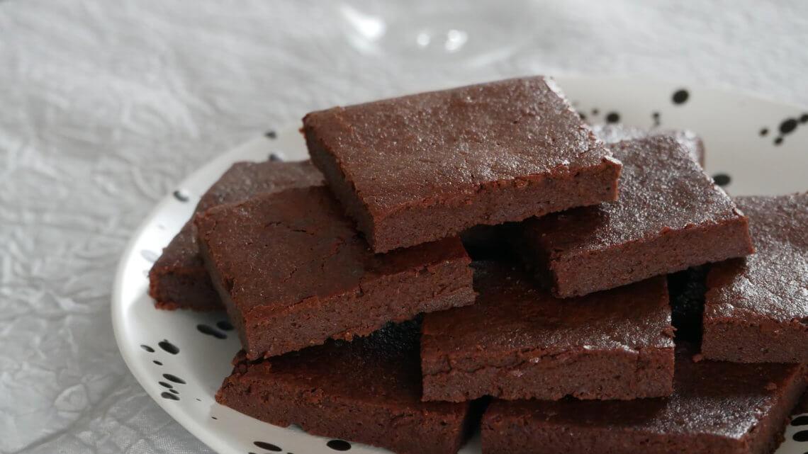 Gâteau au chocolat léger à la compote de pommes