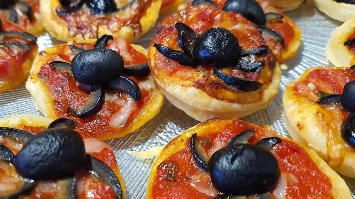 Les pizzas araignées d'Halloween