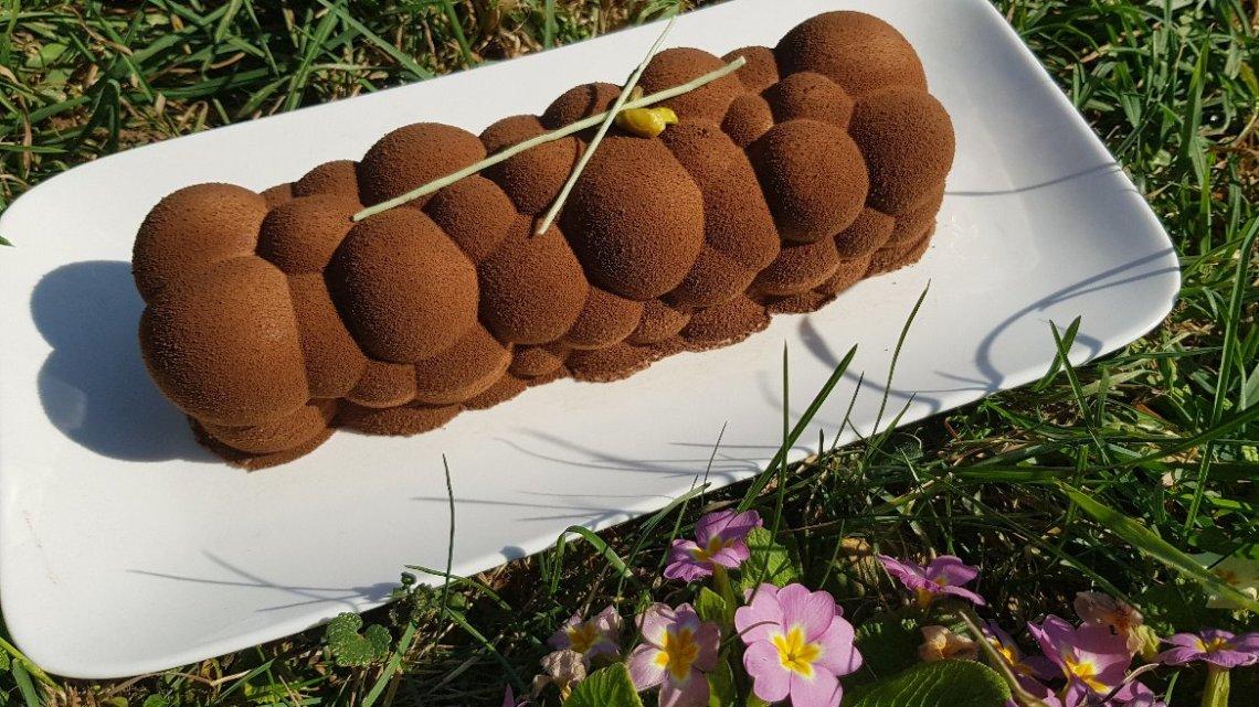 Bûche chocolat pistache de Pâques